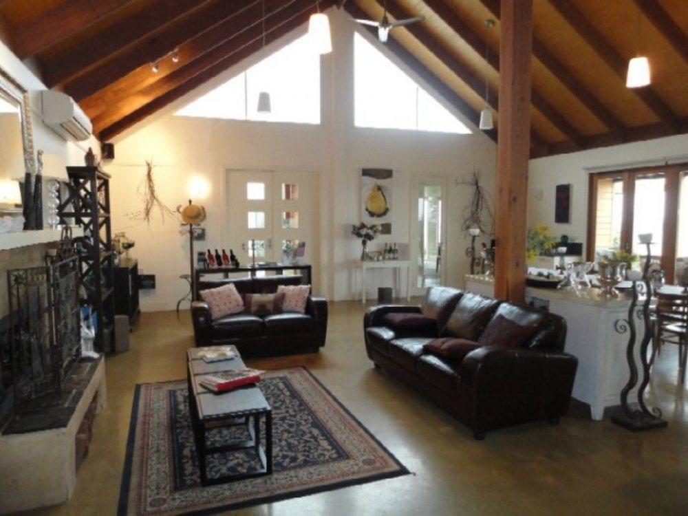 Outlook Hill Pavilion suites and Spa Cottages, Yarra Ranges - North