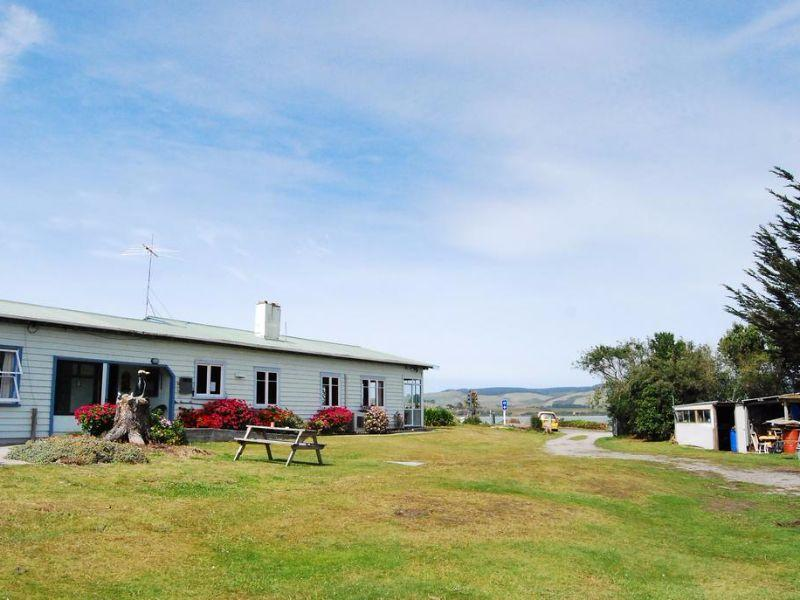 Surat Bay Lodge by the Sea/Backpackers Hostel, Clutha