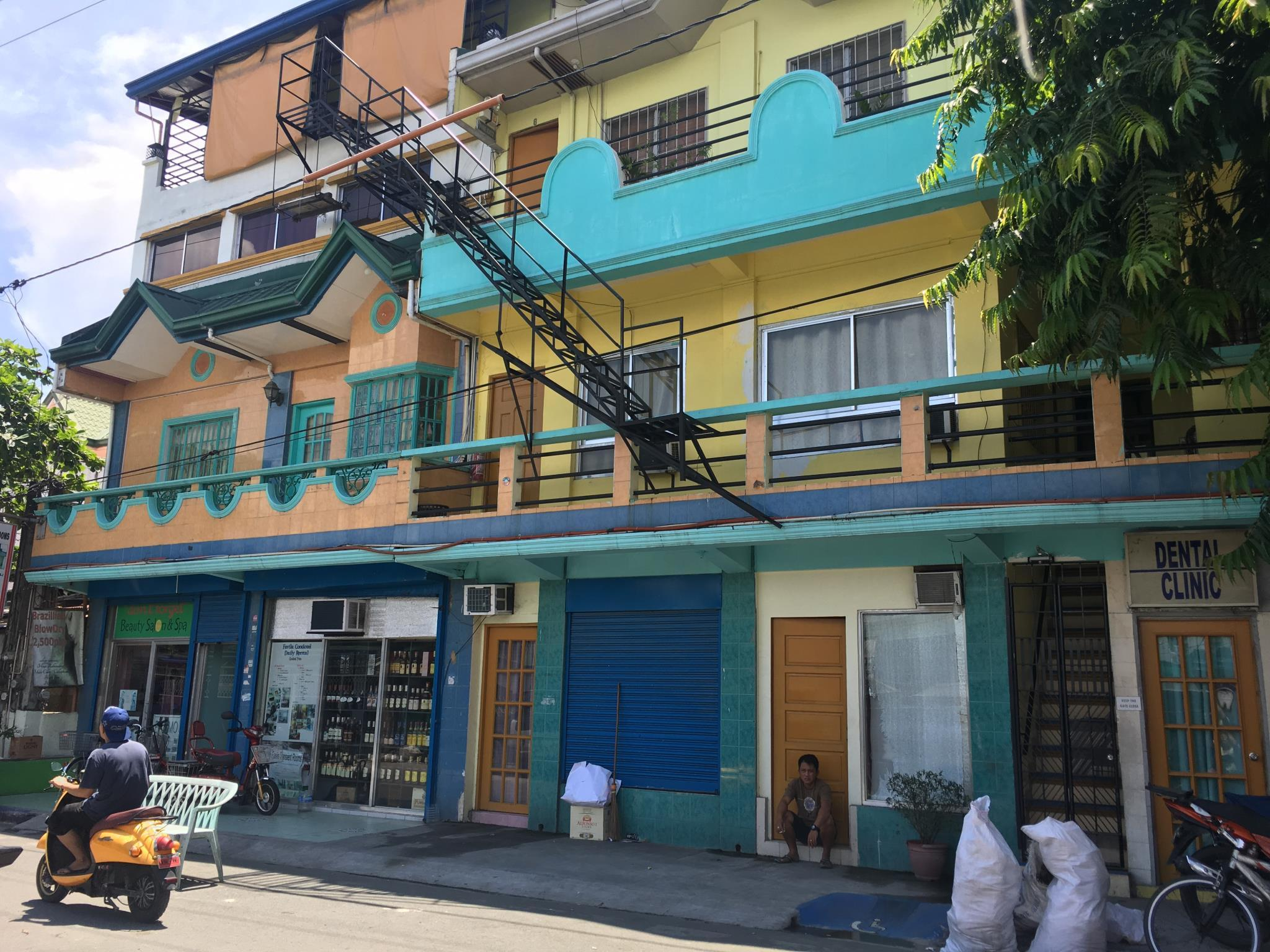 Favila Transient Rooms, Pasay City