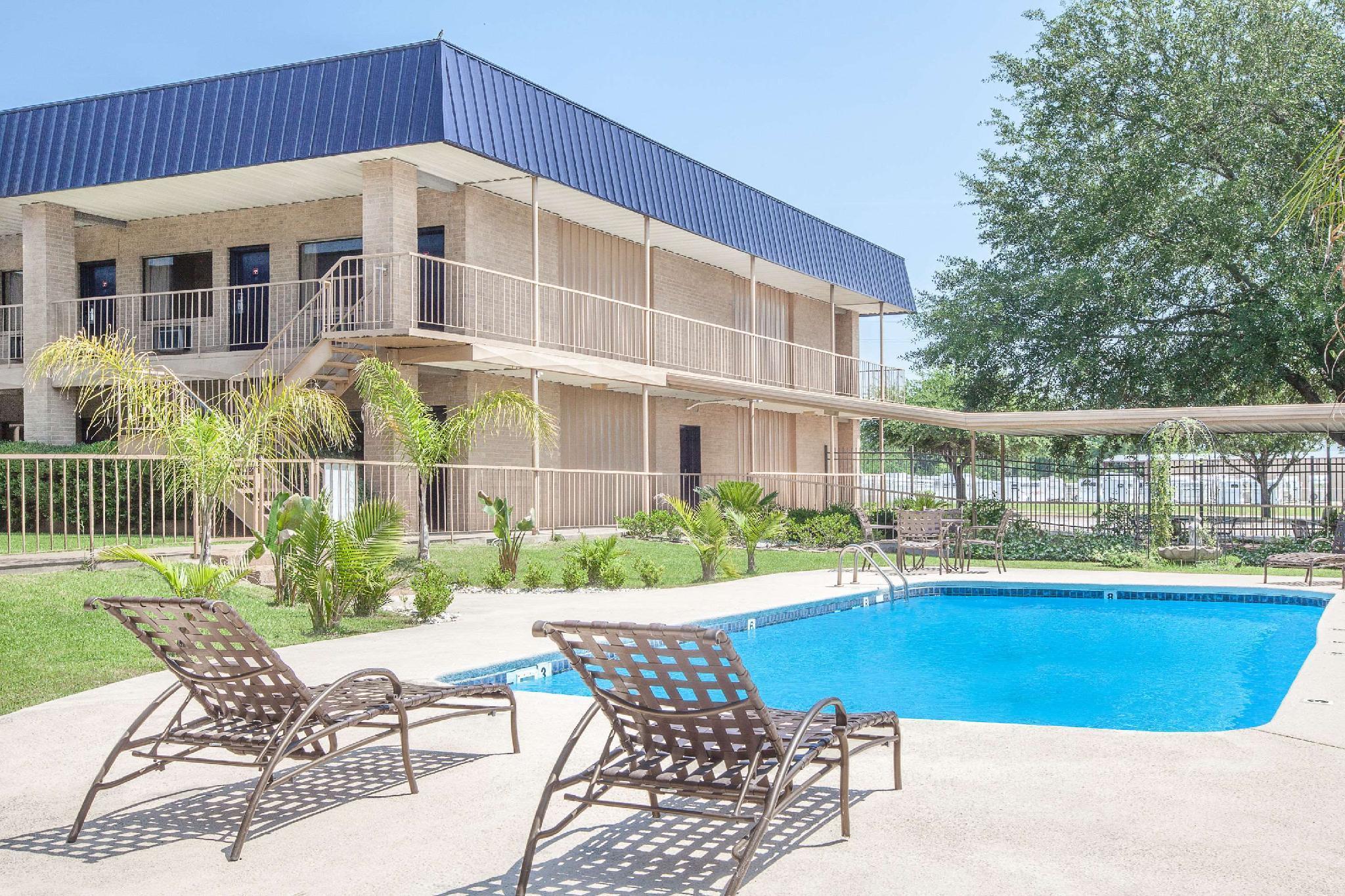 Knights Inn - Crockett, TX, Houston