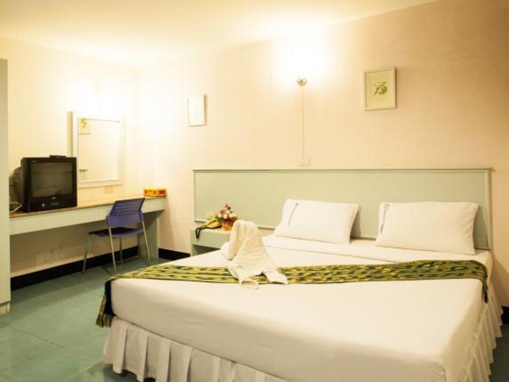 セガテナコーン ホテル11