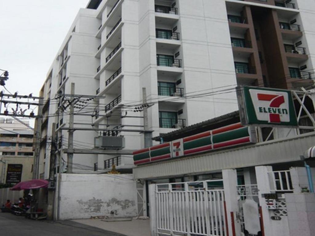 ジ アトリウム ラチャダ 13 ホテル6