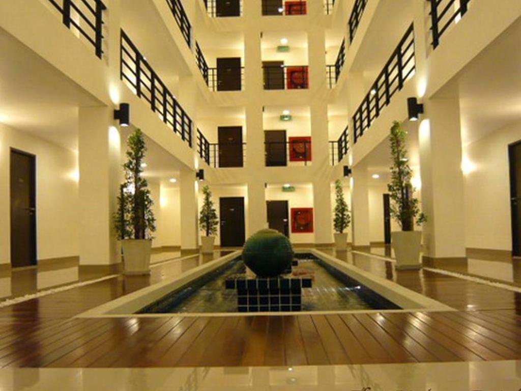 ジ アトリウム ラチャダ 13 ホテル11