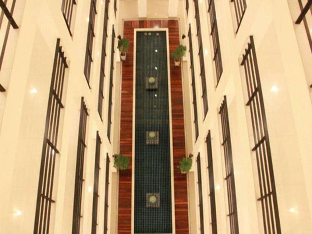 ジ アトリウム ラチャダ 13 ホテル14