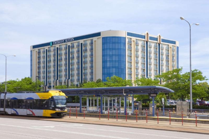 希爾頓尊盛飯店 - 明尼阿波利斯機場