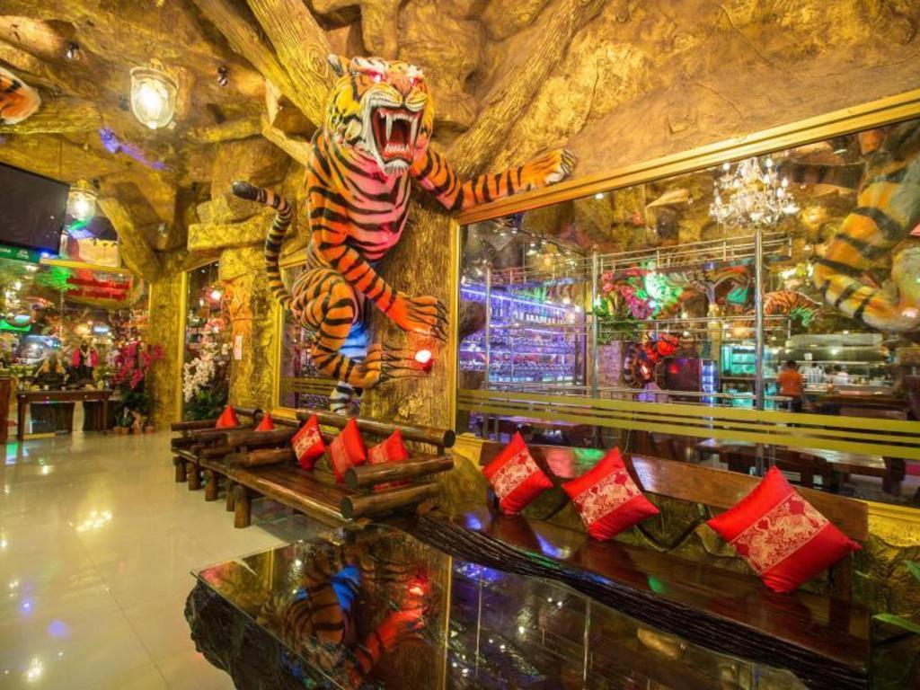 タイガー ホテル2