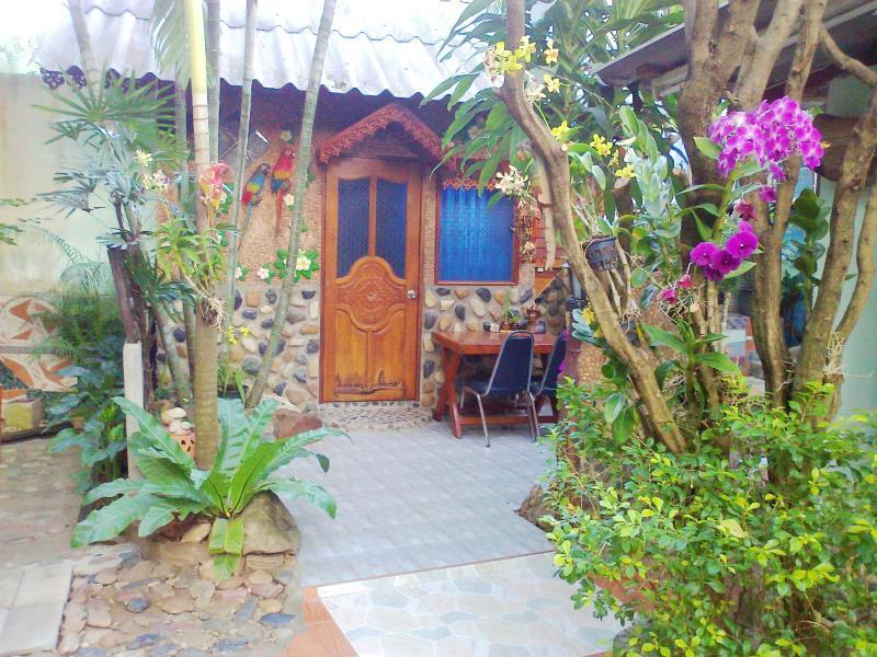 Ruenrimkwai Resort, Sai Yok