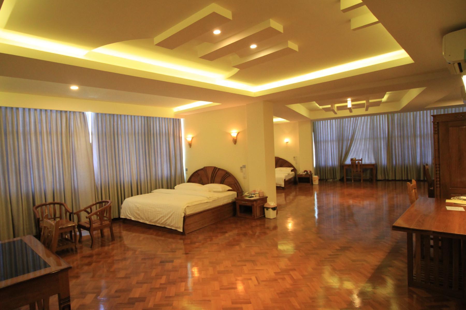 Hotel Varanathi , Kyaunkpyu