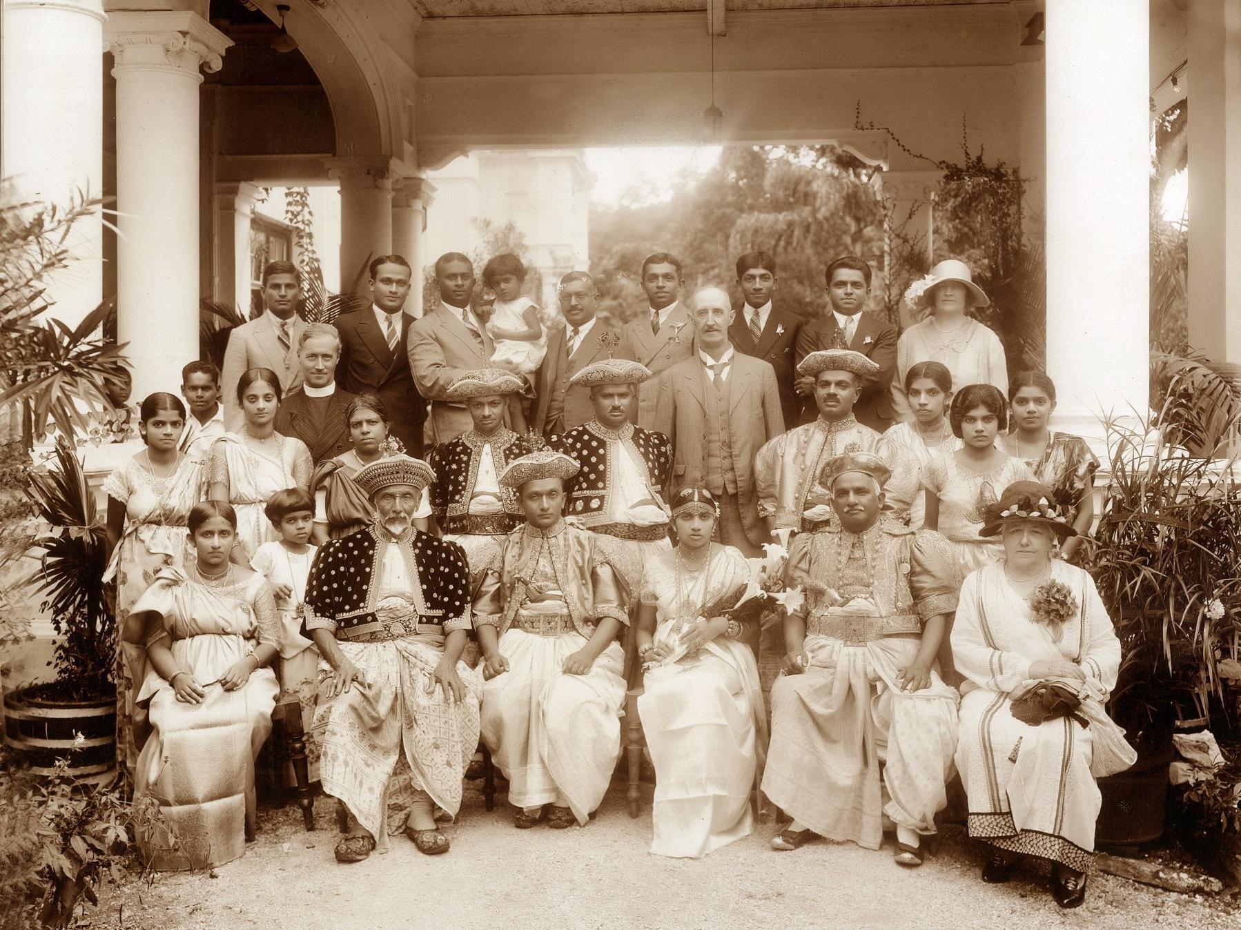 Mansion, Harispattuwa