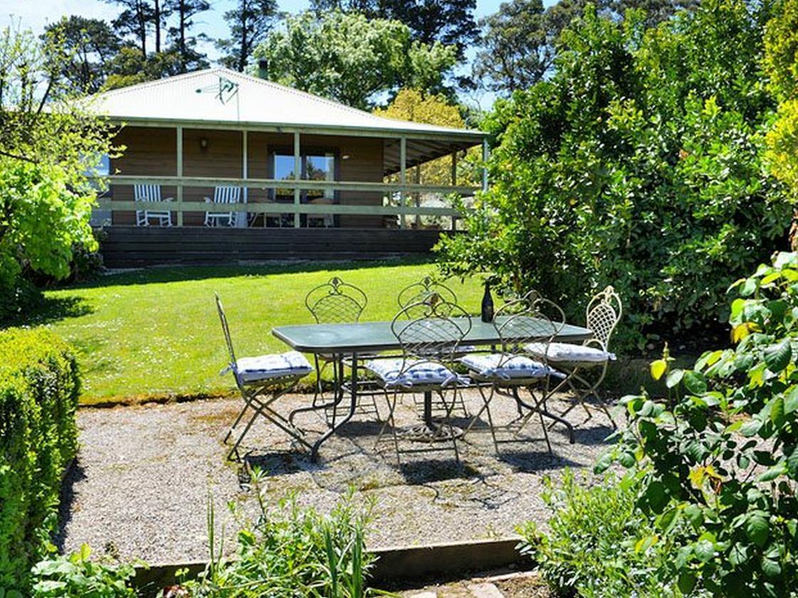 Lavender Farm Hotel, Yarra Ranges - North