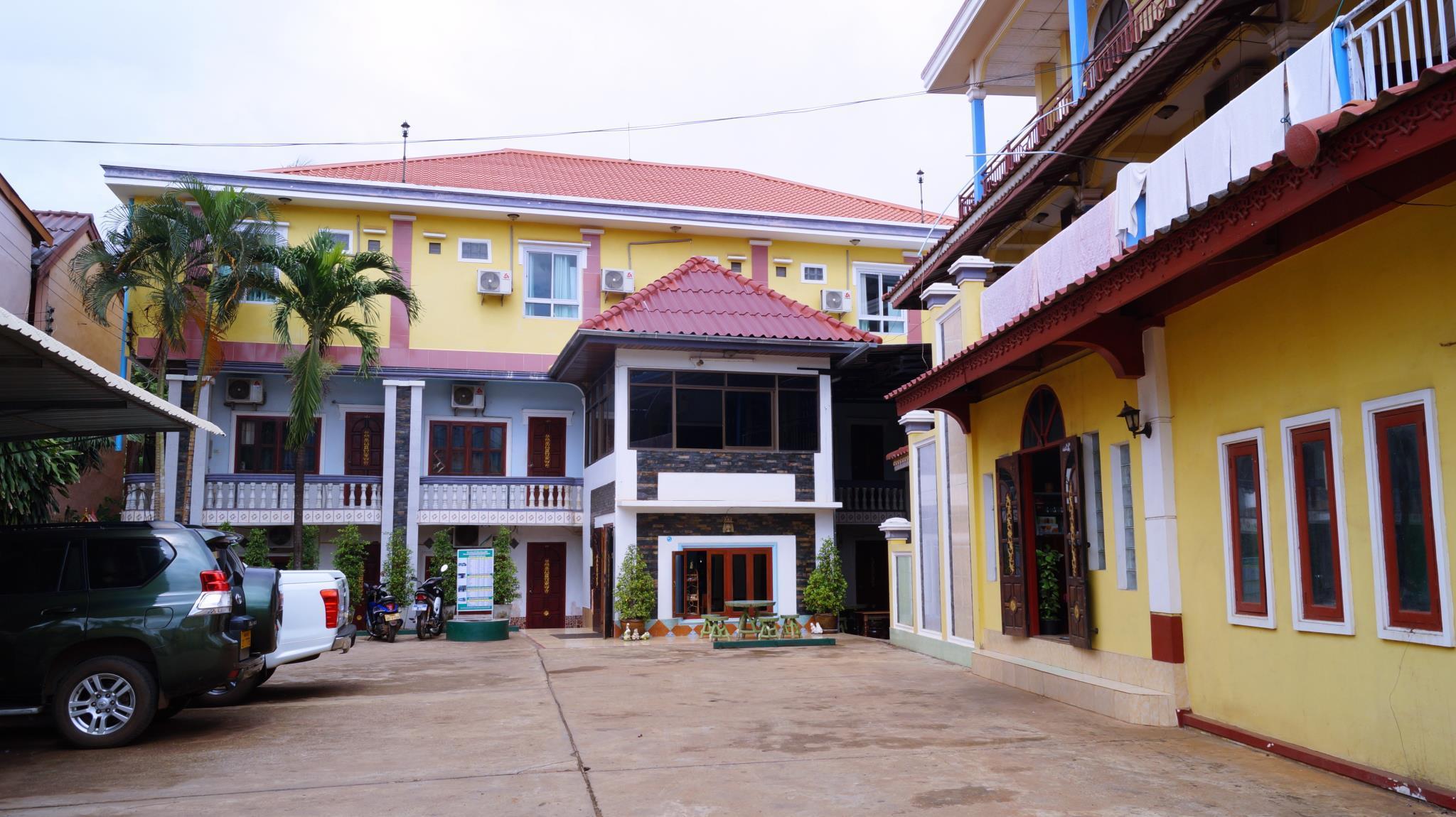 Mary 2 Hotel, Pakxe