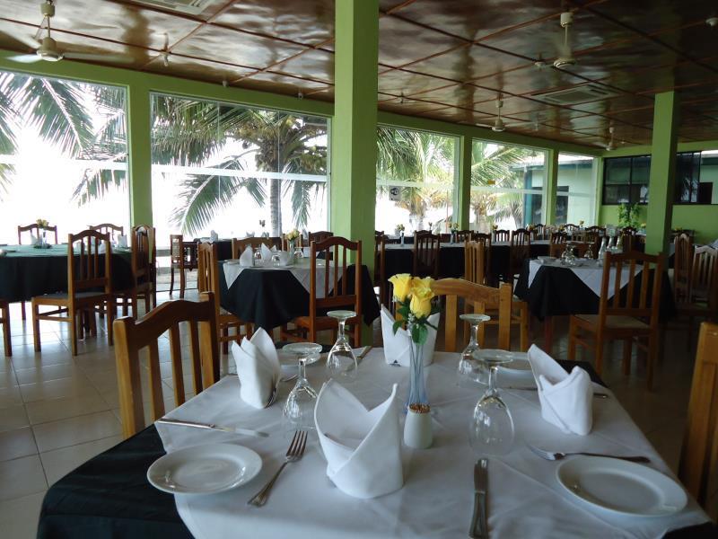 Sea Lotus Park Hotel - Restaurant
