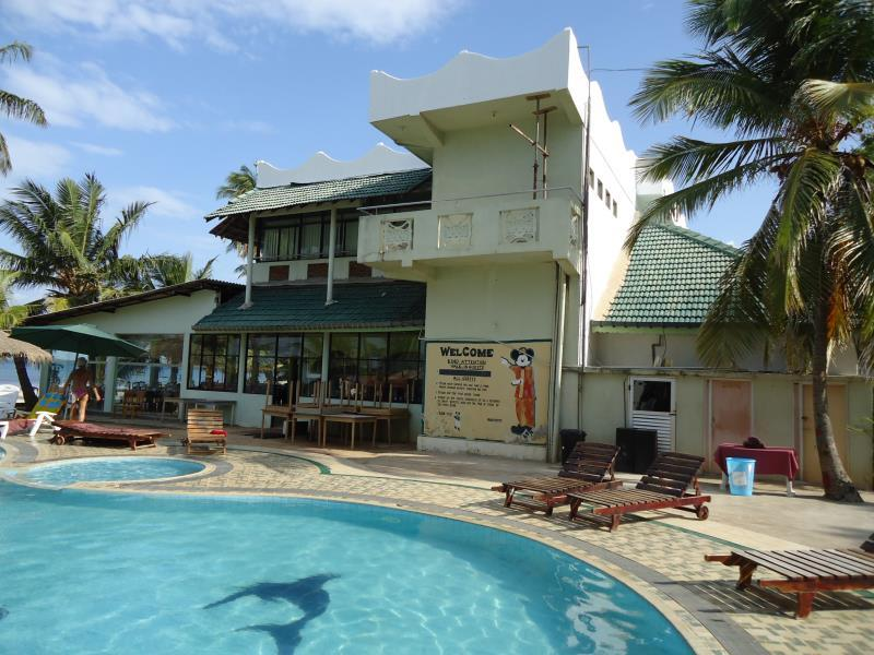 Sea Lotus Park Hotel -