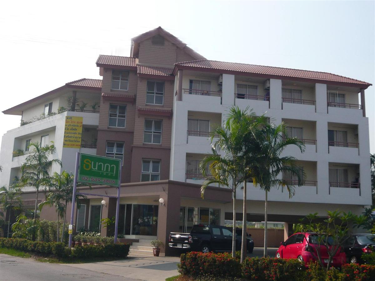 Thanapa Place, Wang Thonglang