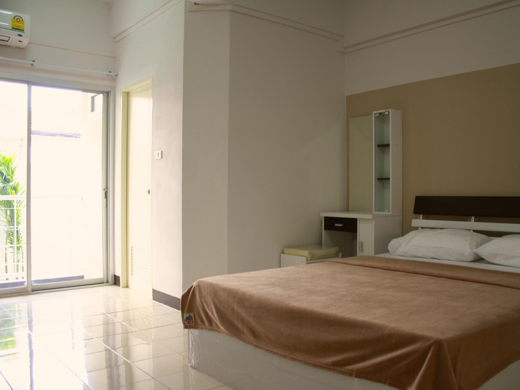 Baanbudsarin Apartment, Muang Sing Buri