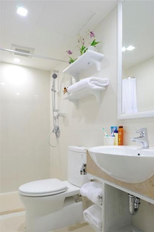 サバイ サトーン サービスド アパートメント1