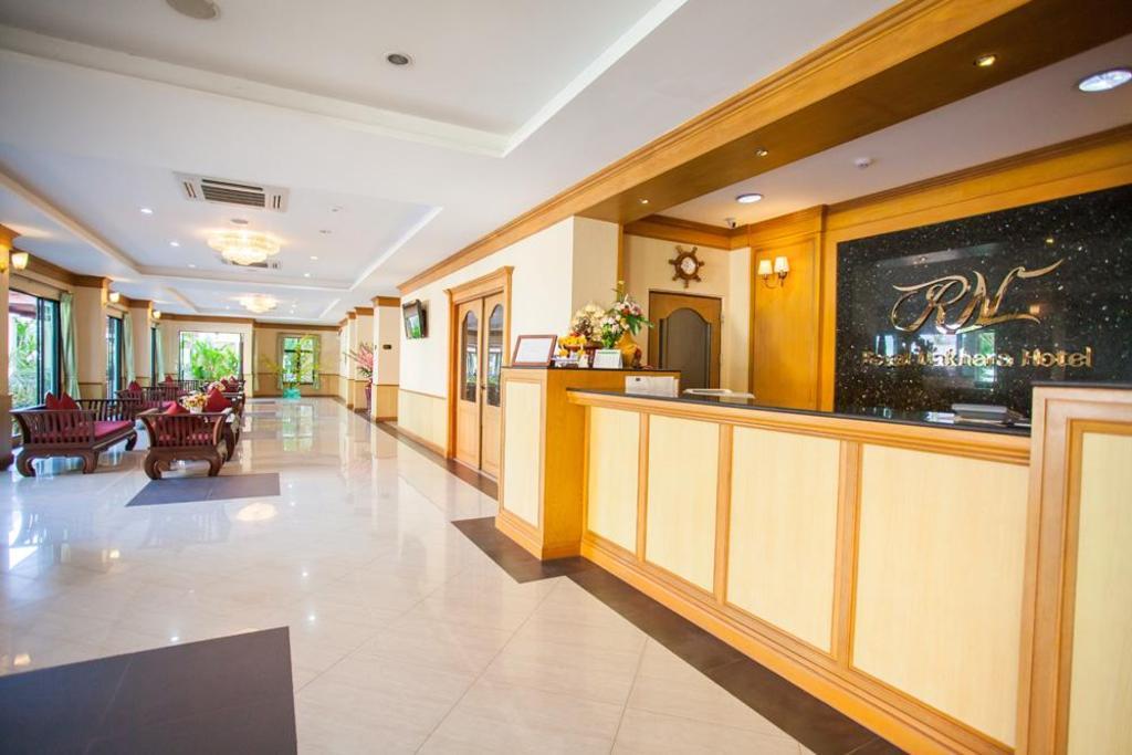 ロイヤル ナクハナ ホテル ノンカイ2