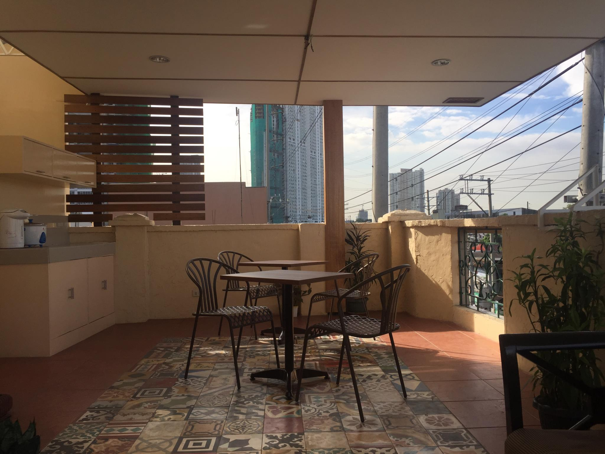 1 River Central Hostel, Makati City
