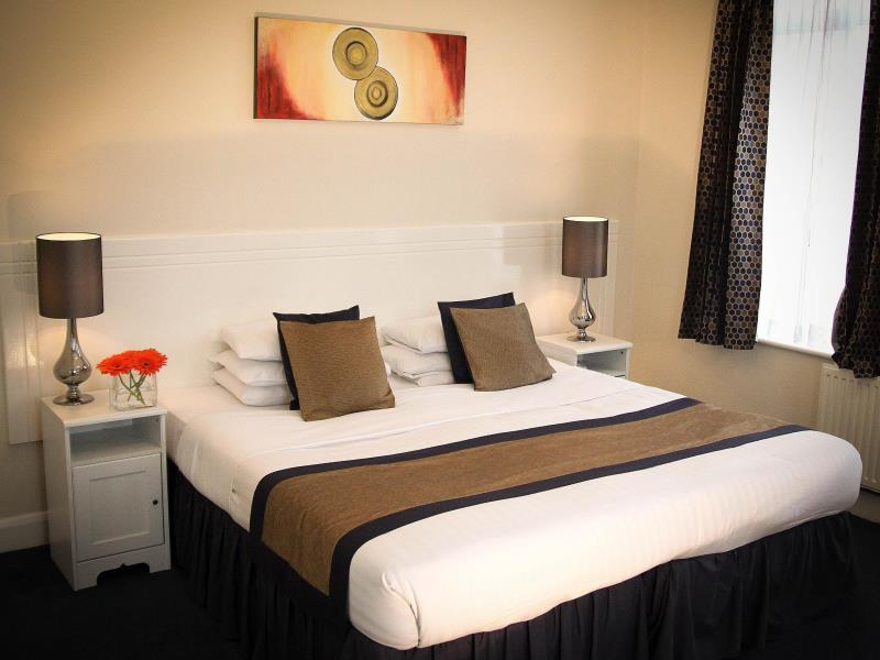 Kingsland Hotel, London