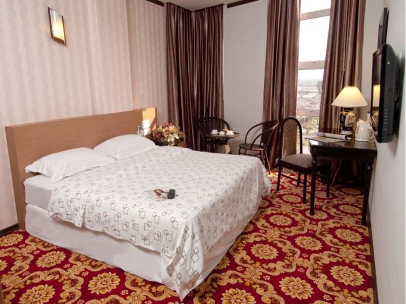S Bee Hotel - Deluxe Suite