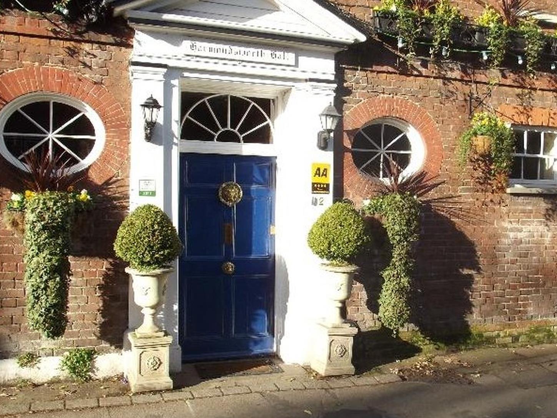 Harmondsworth Hall Guest House, London