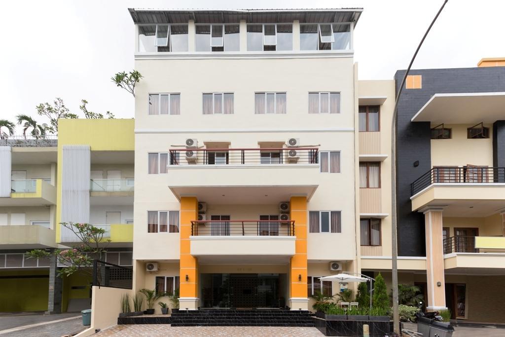 AH1 Guest House, Tangerang Selatan