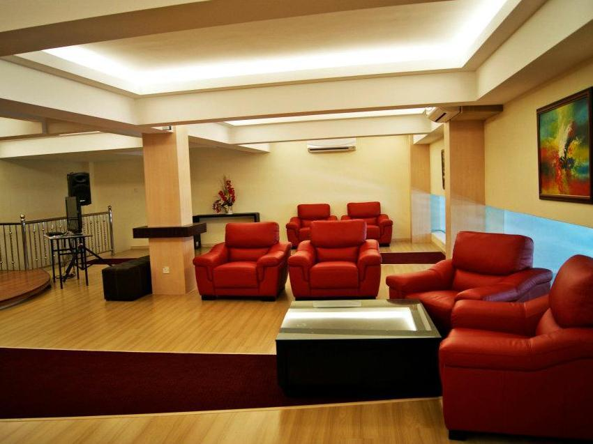 New Regent Hotel - Interior view - photo added 1 year ago