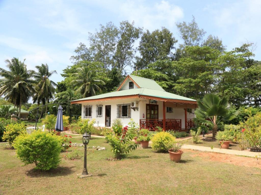 Best price on benjamine 39 s guest house in seychelles for Guest house cost