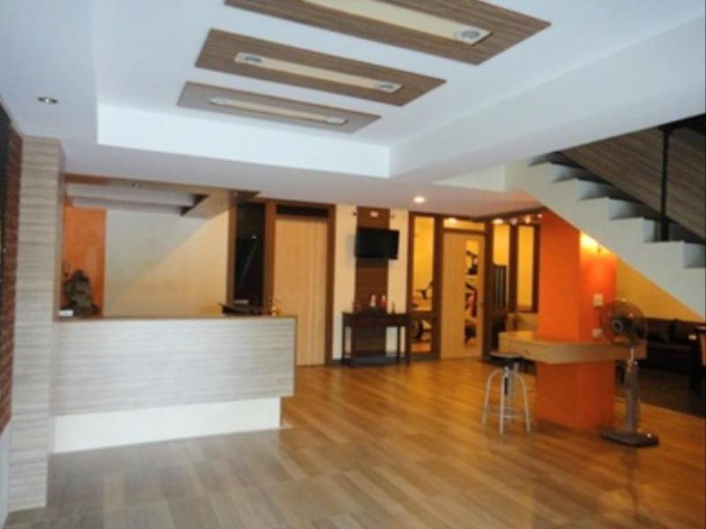 バーン ウォラチャン ホテル アパートメント17