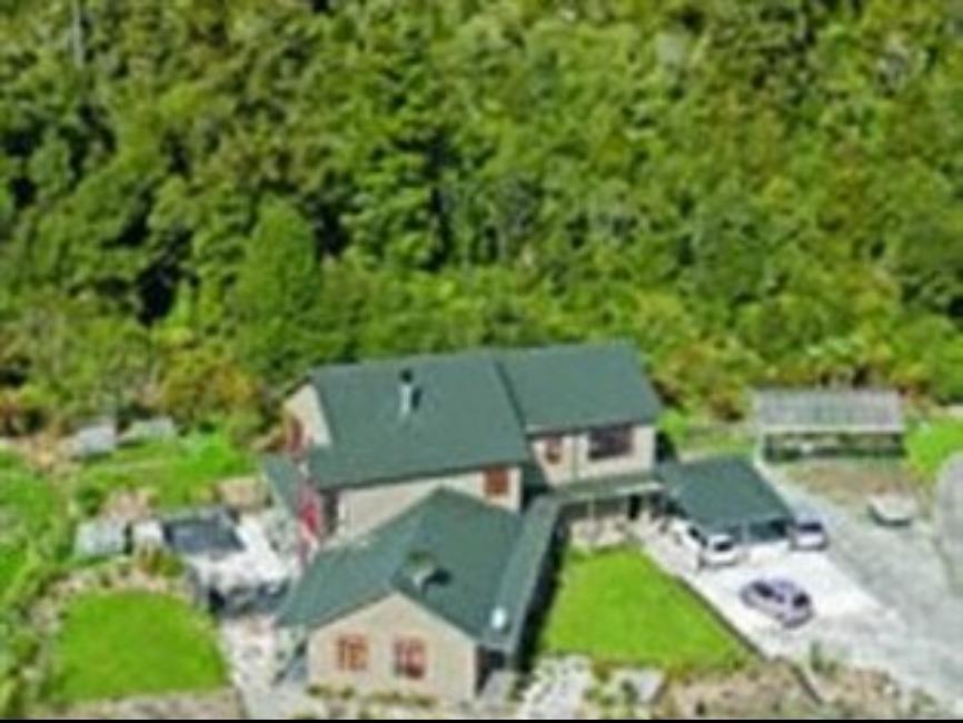 Mahitahi Lodge, Westland