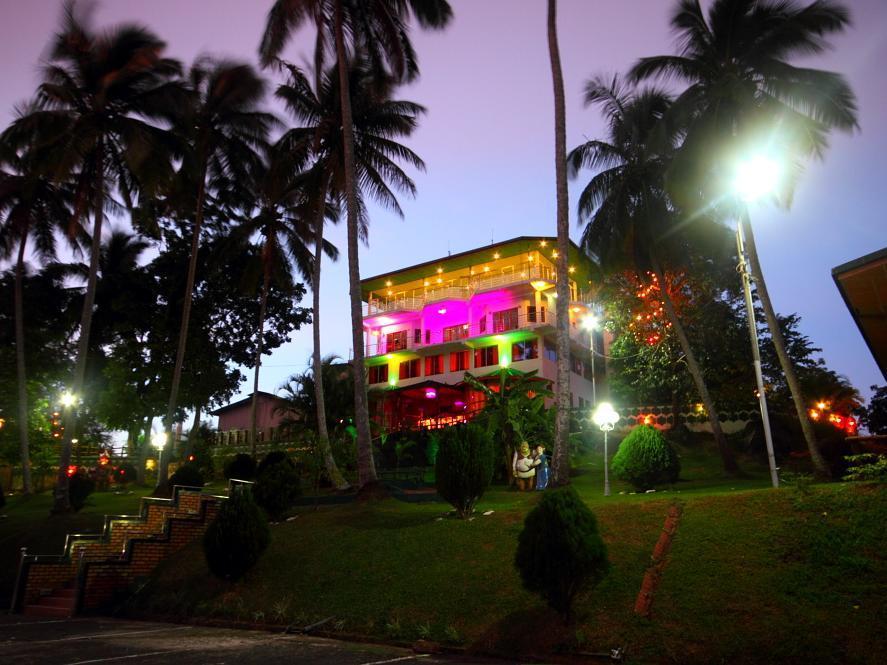 Delma Mount View Hotel, Harispattuwa