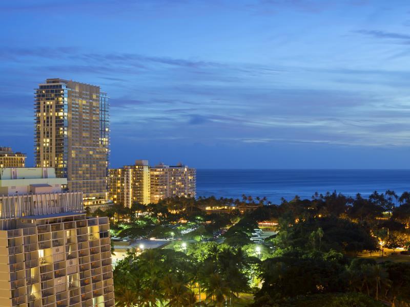 Best Price On Ambassador Hotel Waikiki In Oahu Hawaii