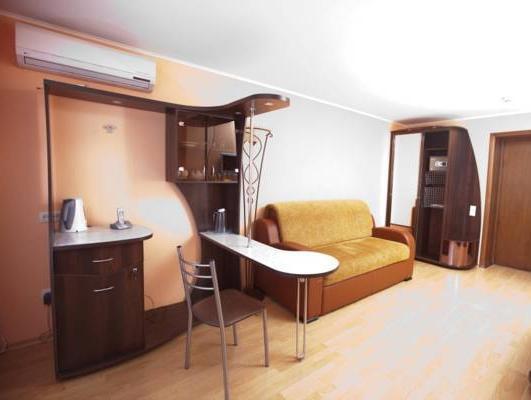 Saratov Hotel, Saratovskiy rayon