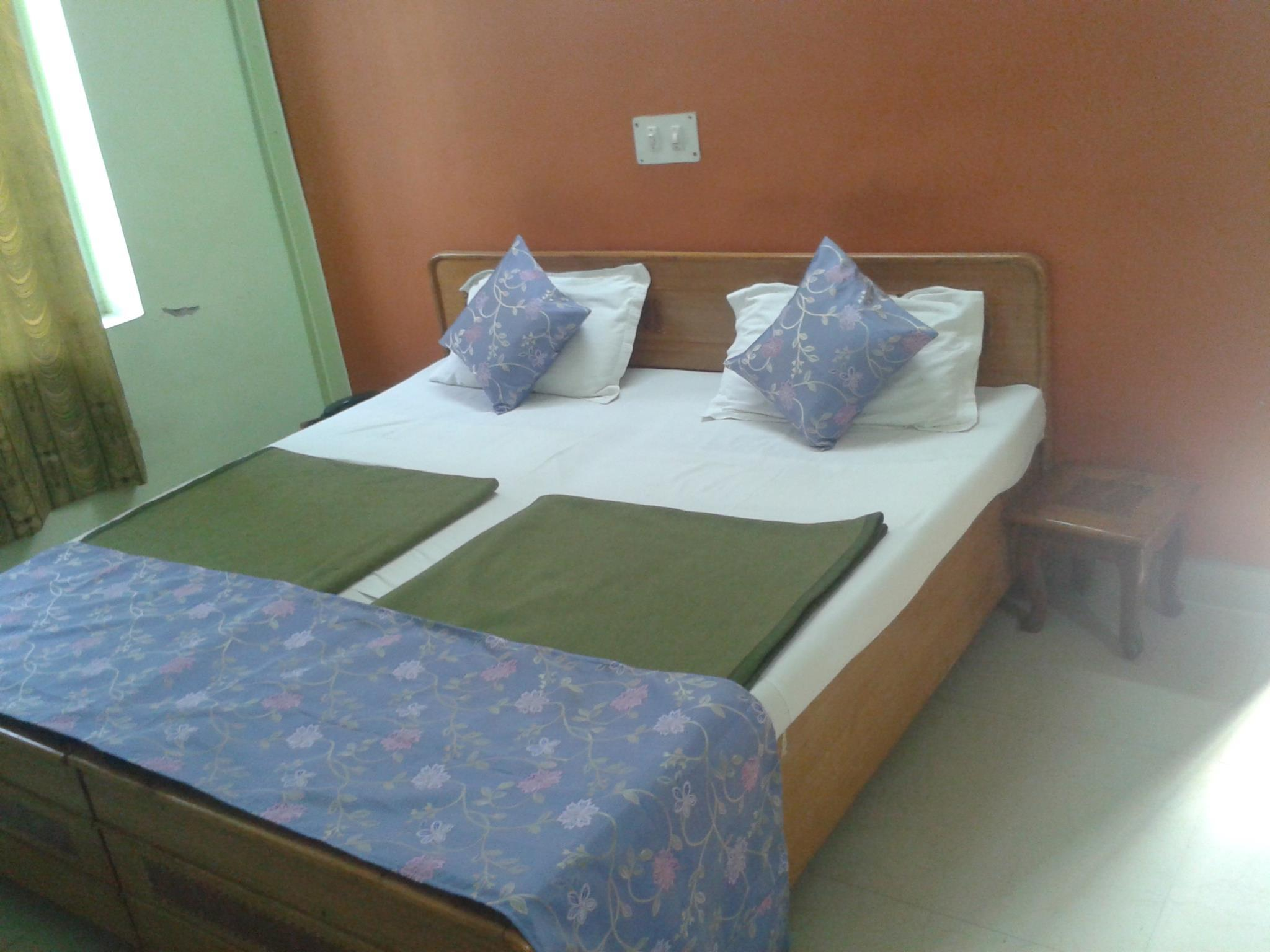 hotel waterland, Mandi