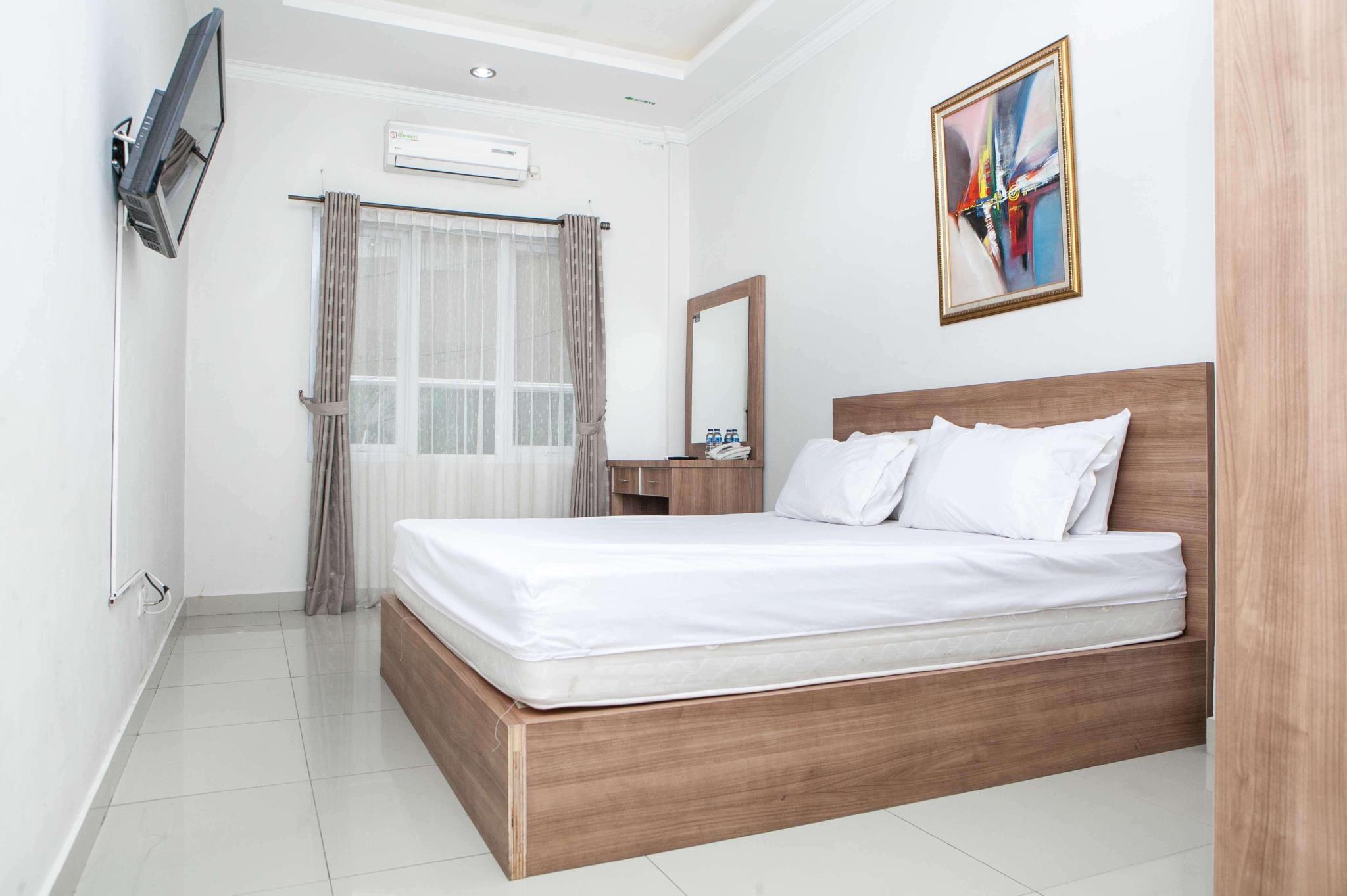 Danoufa Hotel, Bandung