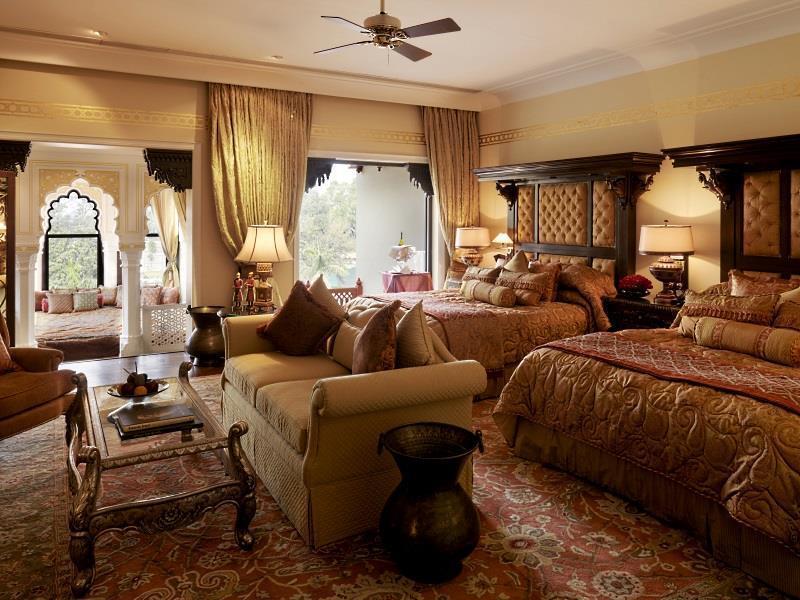 http://pix6.agoda.net/hotelImages/379/3793/3793_14120313530023758874.jpg
