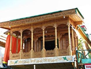 Houseboat Young Bombay, Srinagar