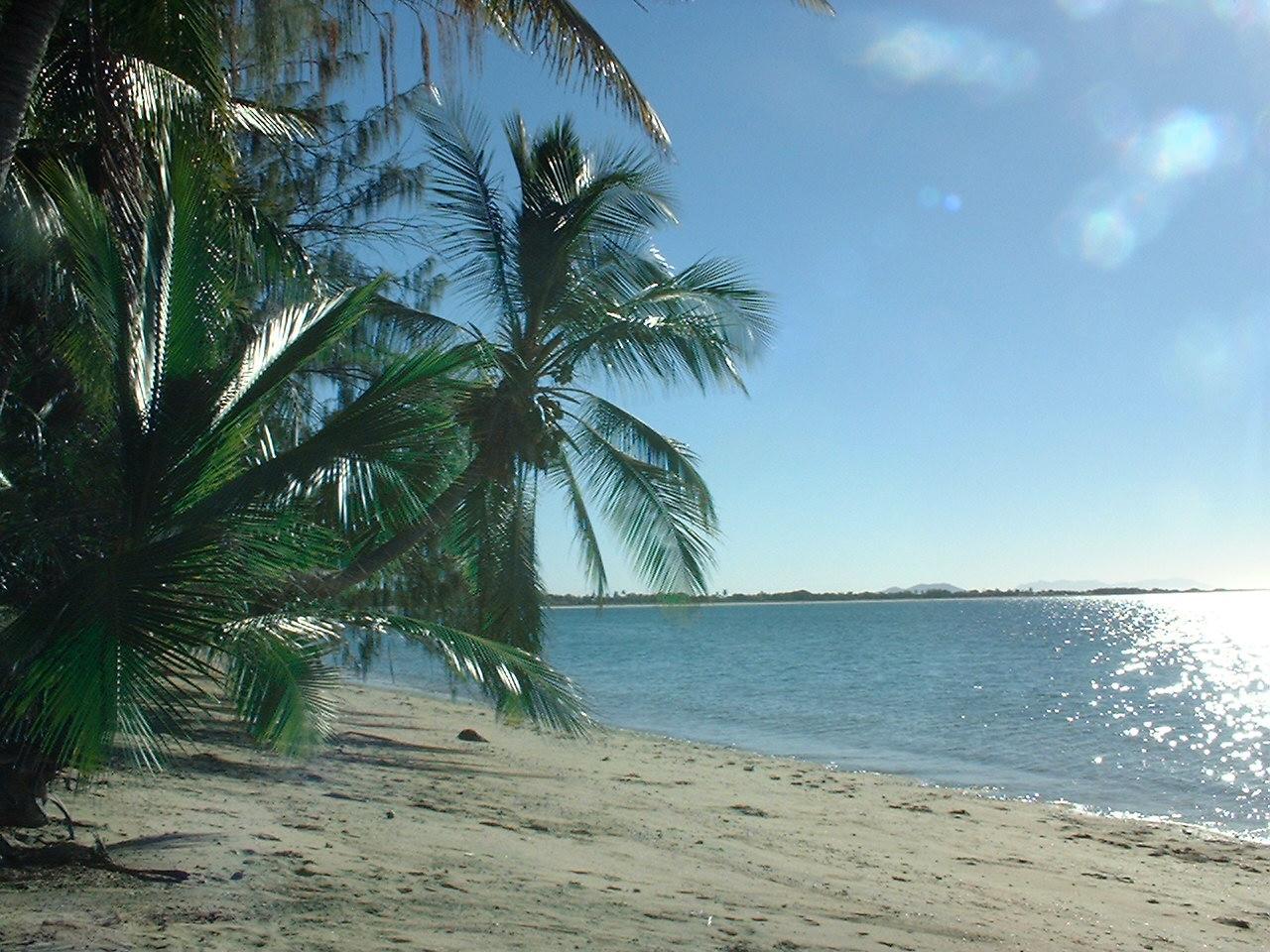 Beachside Holiday Units, Bowen