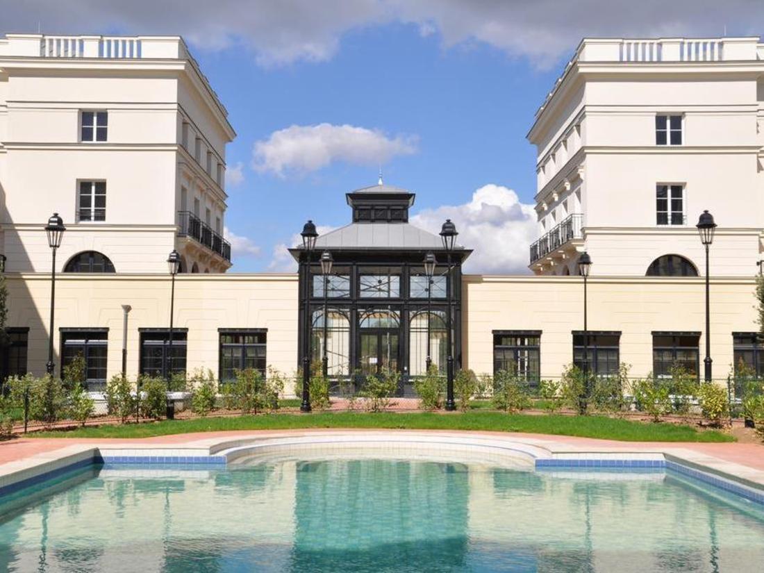 Best Price on Hipark Residence Serris Val d'Europe in
