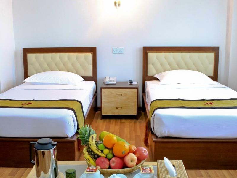 Hotel 7 Mile, Yangon-W