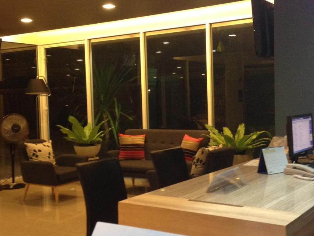 ジ アイム サトーン ホテル3