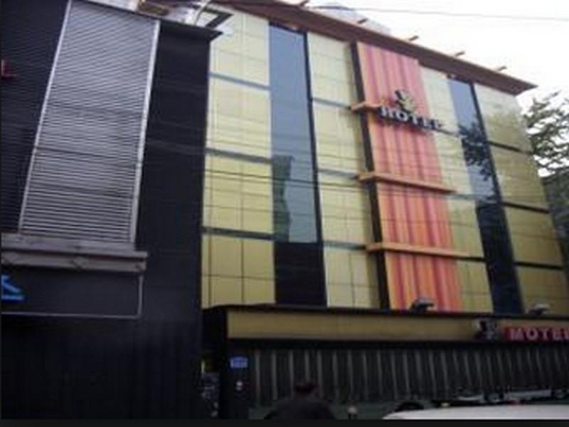 Mong Hotel Suyu, Dobong