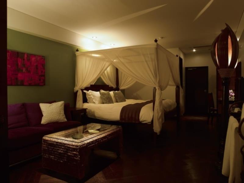 http://pix6.agoda.net/hotelImages/434/434015/434015_15031810280026193467.jpg