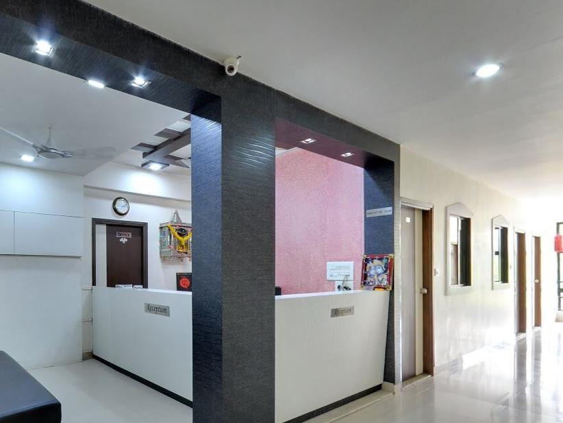 Skylon Hotel, Gandhinagar