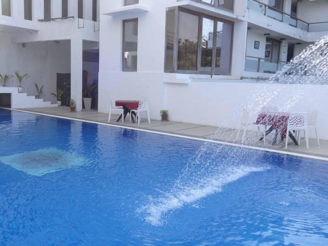 Purple hotels resorts cuisine pondicherry india for Best hotels in pondicherry with swimming pool