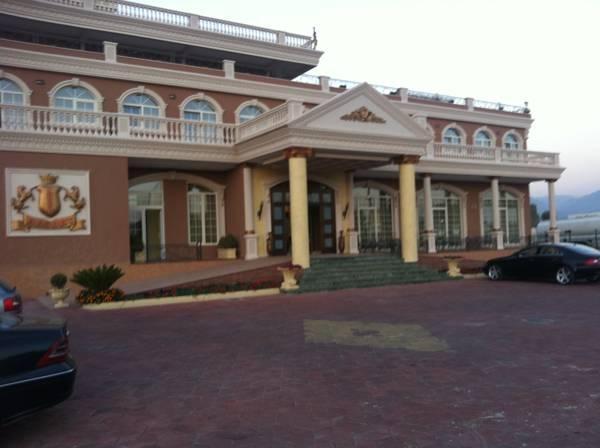 Ador Resort, Krujës