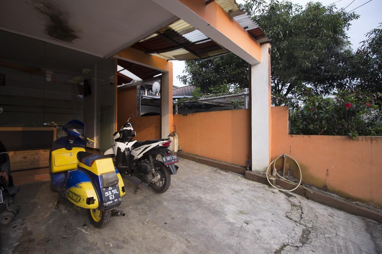 Ten House Bandung, Bandung