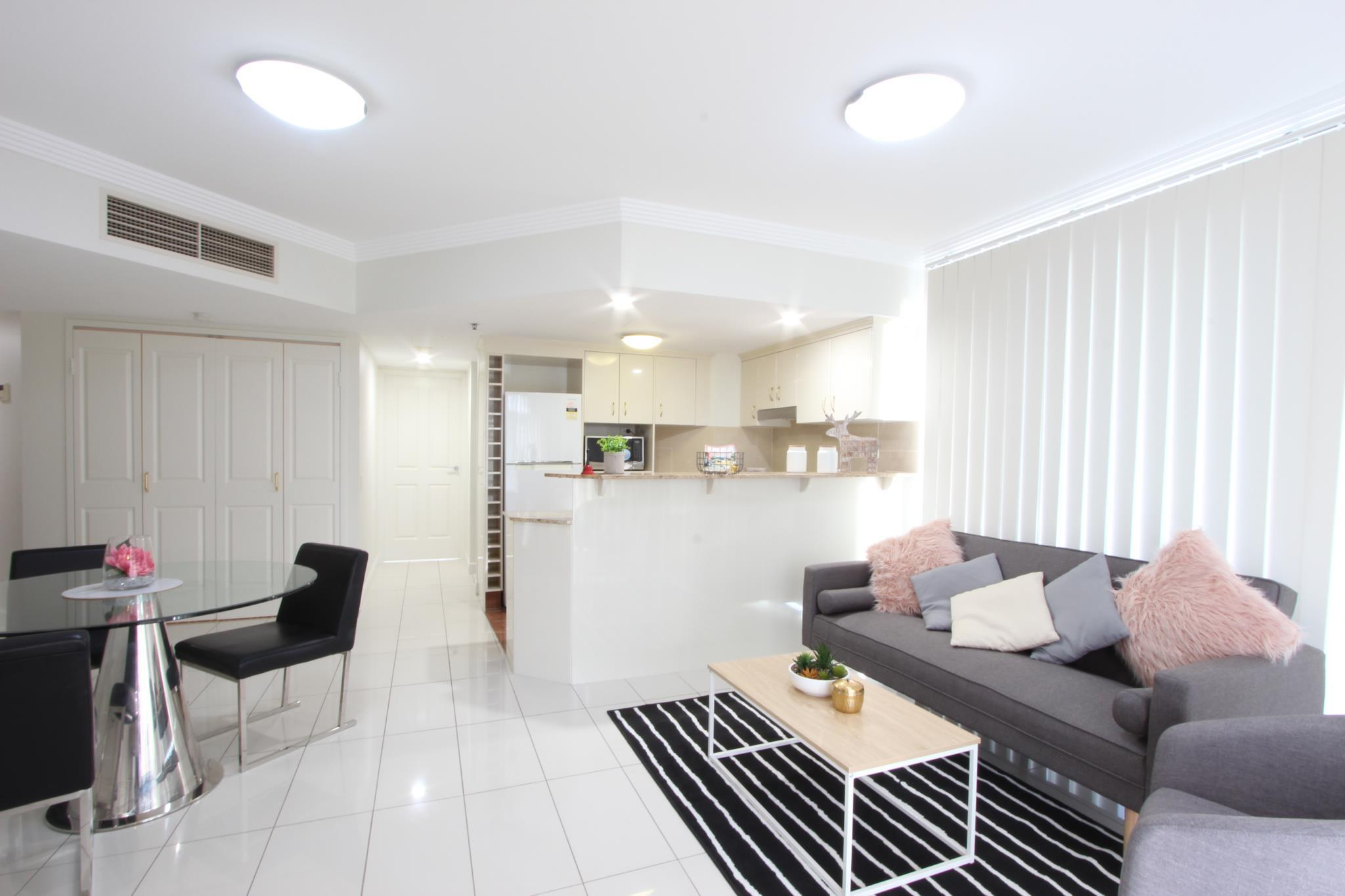 Highrise Apartment, City - Inner