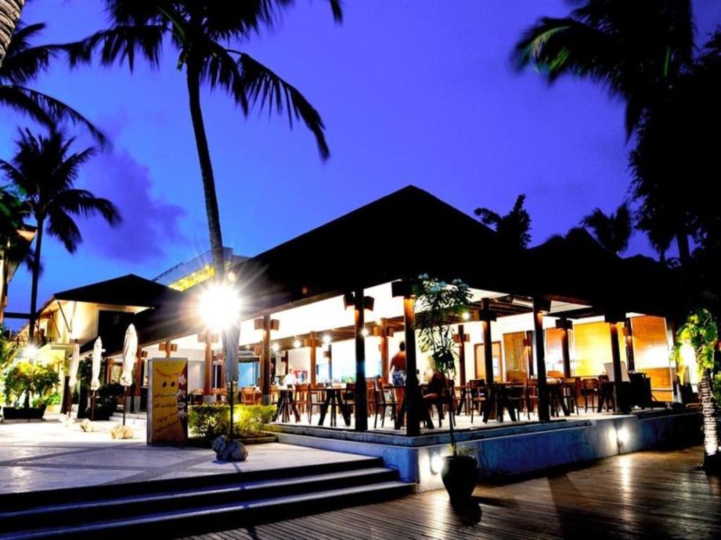 アイヤラ ビーチ ホテル & プラザ11