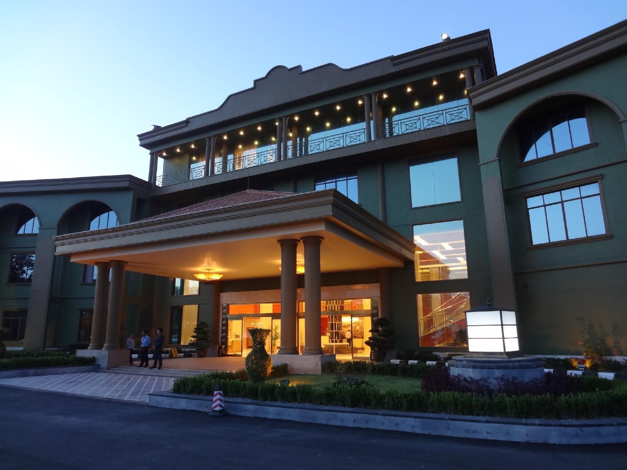 Dork Jumpa Hotel, Sisattanak